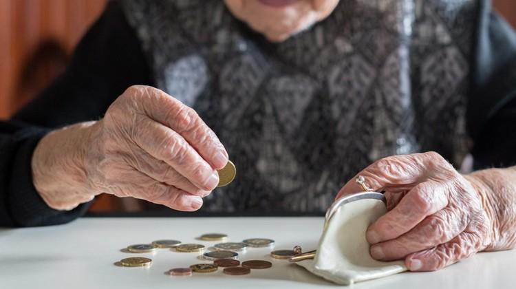 nyugdíját