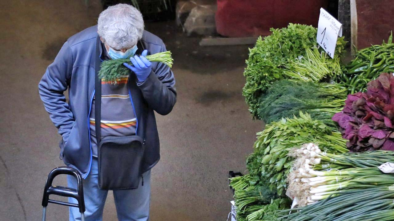 piac maszkban