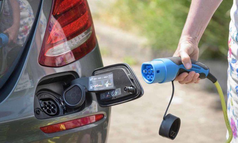 tisztán elektromos autó töltö